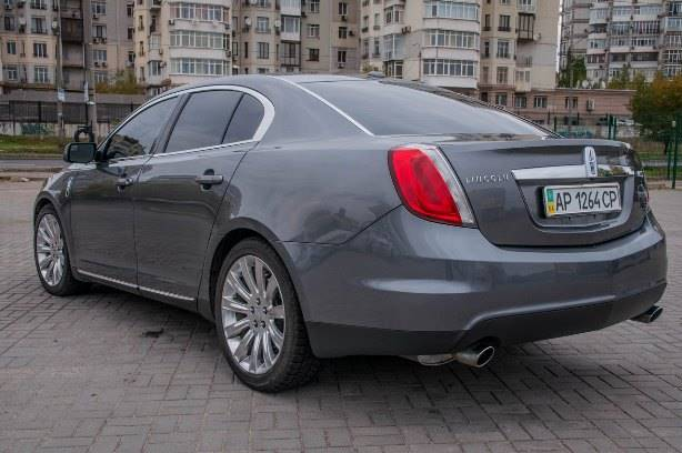 Lincoln MKS  S-class